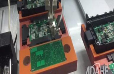 汽车电子跳线专用自动焊锡机视频